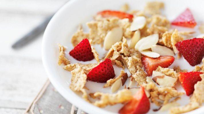sausi pusryciai su proteinu